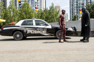 the-flash_season-2_episode-1_the-man-who-saved-central-city_still-2.jpg