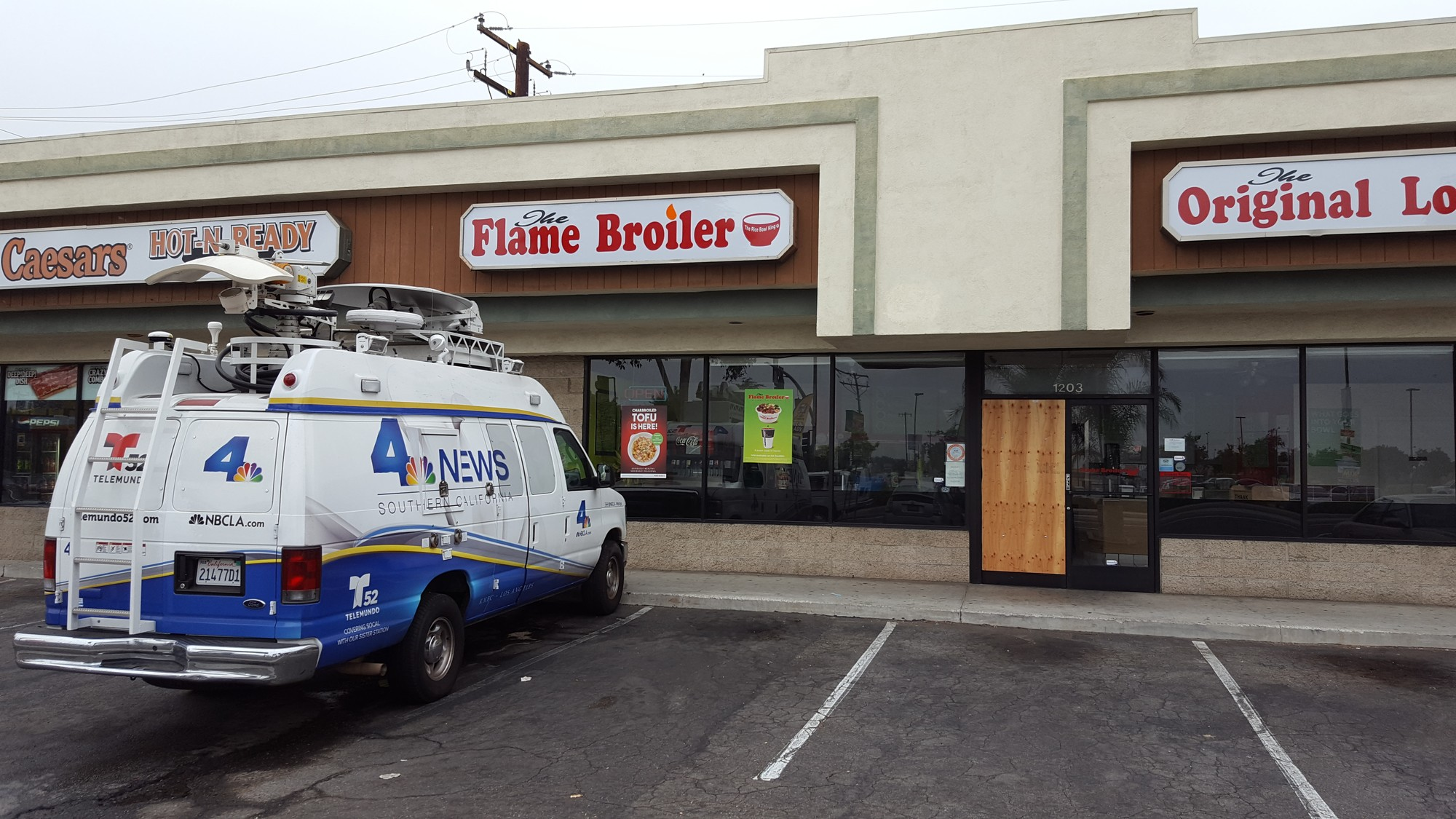 Flame Broiler – Rice Bowl Restaurant with locations in California, Arizona, Nevada, Florida, Oklahoma, and Texas.